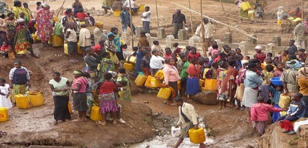 L'accès à une source améliorée d'eau potable est quasi-universel à Dakar.