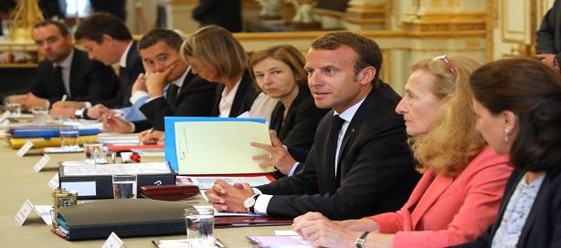 Emmanuel Macron en conseil des ministres