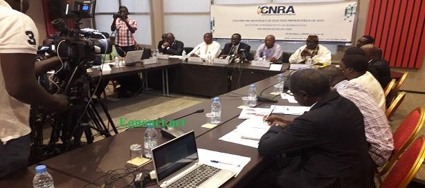 Au milieu, Babacar Diagne, président CNRA, ouvrant la journée d'information et sensibilisation des rédacteurs en chef sur la couverture médiatique de l'élection présidentielle de 2019.