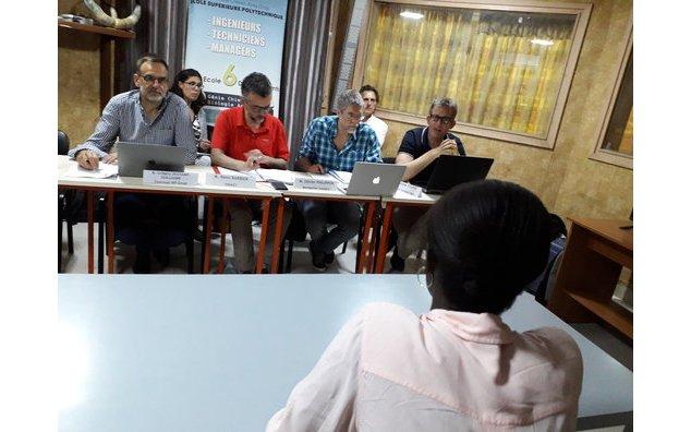 Un candidat auditionné par le jury du projet AgreenMob