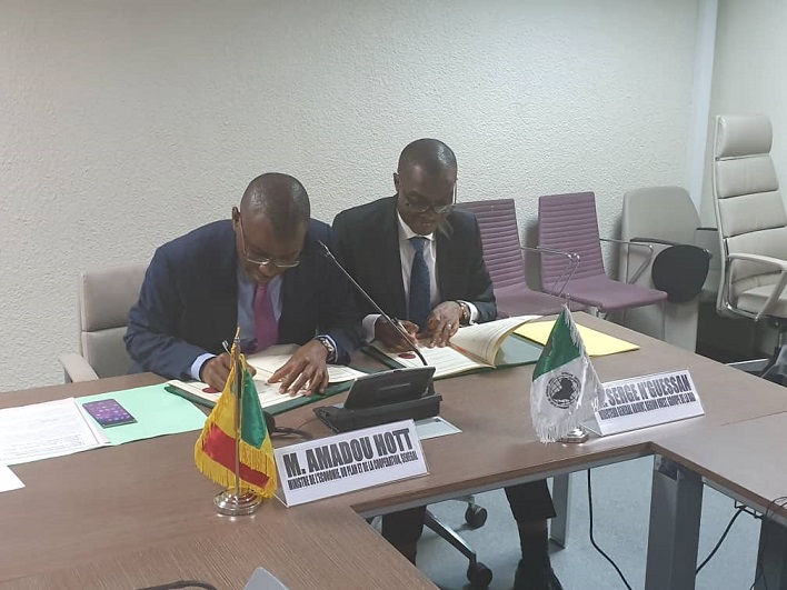 Signature convention de financement Sénégal-Bad sur le PAMRER-I du PSE.