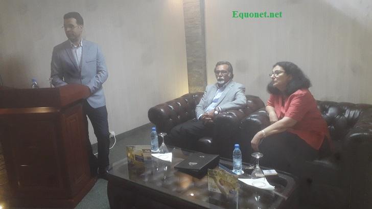 A gauche, Younes Mafroud, au milieu Inam Ulhaq, respectivement DG et PDG de Days hôel et suites Dakar.