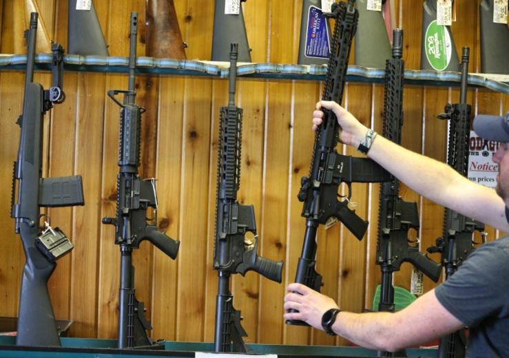 Vente d'armes aux Etats Unis d'Amérique.