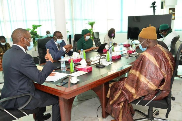 Amadou Hott een concertation avec le secteur privé local.