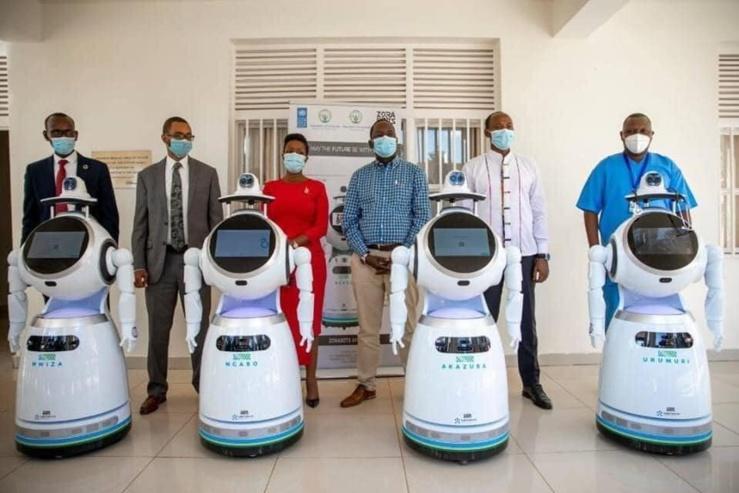 Ces robots déployés par le Rwanda peuvent tester des centaines de patients au coronavirus..
