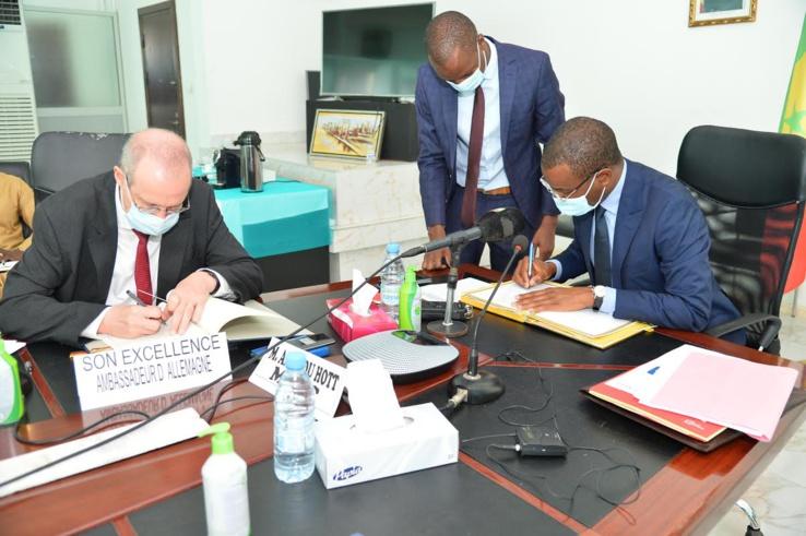 Signature de trois (3) accords de coopération Sénégal-Allemagne pour le secteur énergétique.