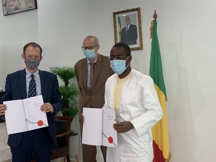 Signature, à Dakar, de trois premiers contrats de la coopération financière entre le Sénégal et l'Allemagne