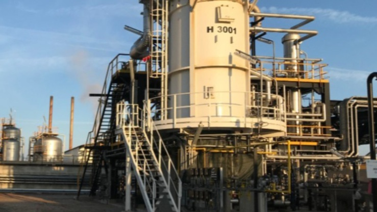 Cameroun : signature d'un contrat de vente «Scarabox®» entre Valtech Energy et Ecoslops