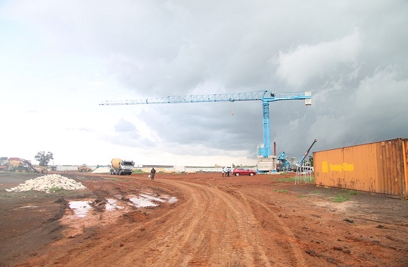Le parti de l'entreprise revendique la place des artisans locaux dans les chantiers de la nouvelle ville promise.