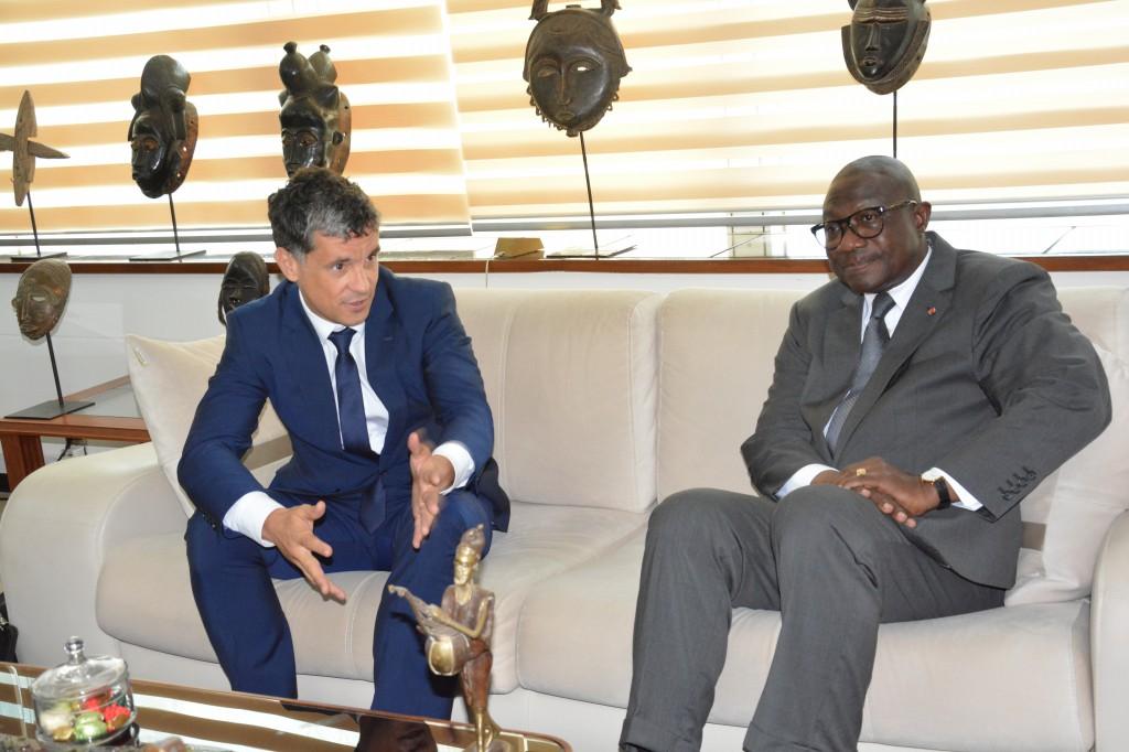 Signature d'une convention de partenariat entre Winwin Afrique et le ministère ivoirien des Sports