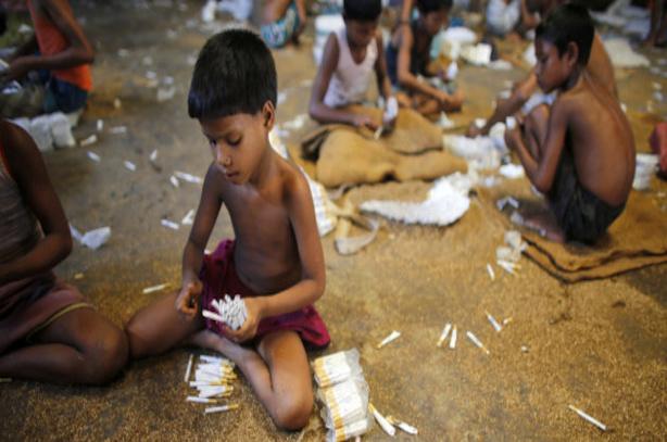 Lutte contre le tabagisme ou lutte contre le travail des enfants, le dilemme de l'ONU
