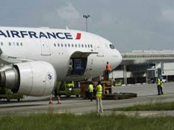 Panne en plein vol Air France: la compagnie prolonge les souffrances des passagers