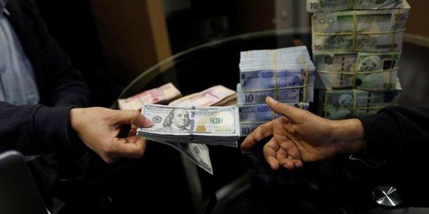 Libye : la Banque centrale décide de taxer les transactions en devises étrangères