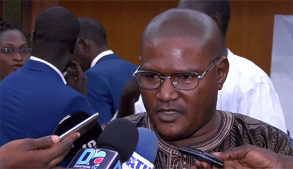 """COS Petro Gaz- La Société civile répond à Macky Sall : """"nous n'allons pas servir de faire-valoir"""""""