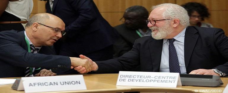 Les représentants de l'Union africaine et de l'Ocde.