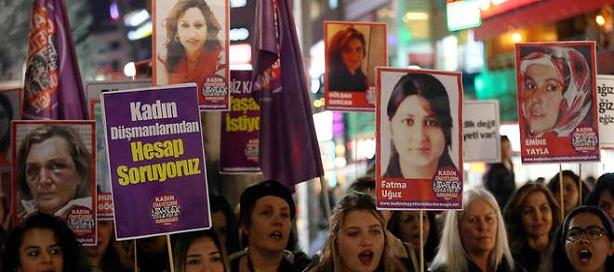 La Turquie et la violence à l'égard des femmes : des progrès éclipsés par les faibles taux de signalement, les restrictions imposées aux ONG, les mariages forcés et précoces, et la culpabilisation des victimes