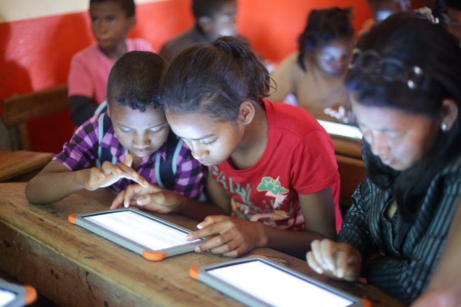 Signature de convention de financement du Pades entre le Sénégal et l'Agence française de développement