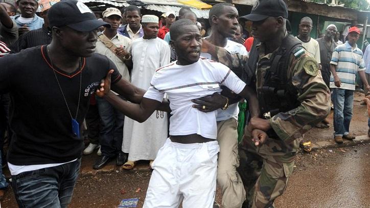 Violences et arrestations en Guinée.