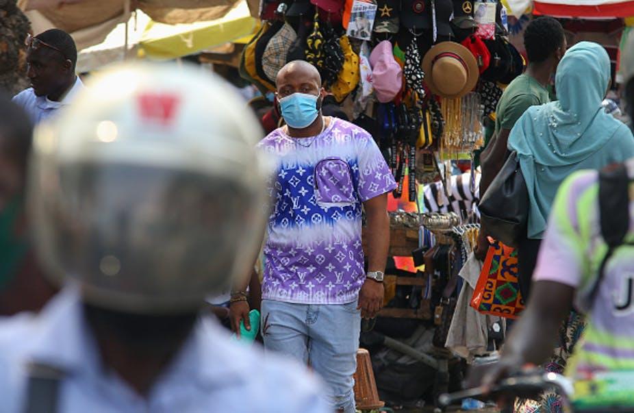Une place de marché dans la capitale du Ghana, Accra. Les pays en développement comme le Ghana risquent d'être laissés pour compte dans la course pour obtenir les vaccins COVID-19. Christian Thompson / Agence Anadolu via Getty Images