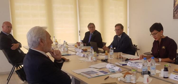 A gauche, Gérard Senac, président d'Eurocham Sénégal faisant face à Irène Mingasson, ambassadrice de l'Union européenne (UE) au Sénégal.