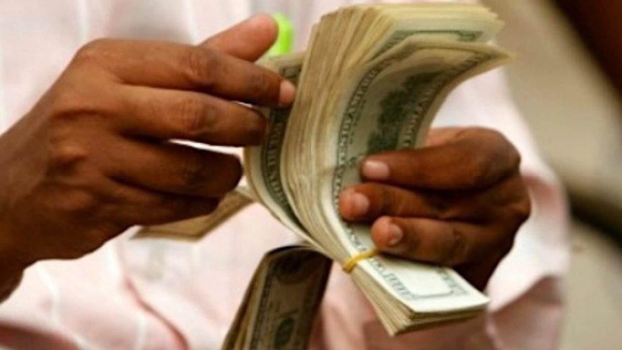 Les flux d'envois de fonds officiellement enregistrés vers les pays à revenu faible et intermédiaire ont atteint 540 milliards de dollars en 2020