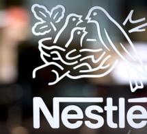Nestlé lance une nouvelle politique de congé parental.