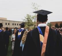 La dette des États-Unis au titre des prêts aux étudiants a plus que doublé en 10 ans