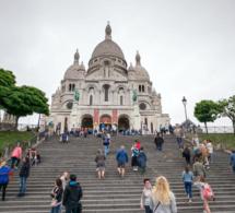 Tourisme international : assouplissement prudent des restrictions sur les voyages