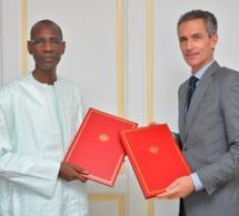 Initiative de suspension du service de la dette: le Sénégal et la France signent un nouvel accord de 13, 7 milliards de FCFA