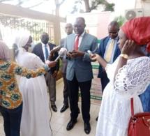 Habib Ndao, directeur exécutif de l'OQSF Sénégal s'exprimant devant la presse.