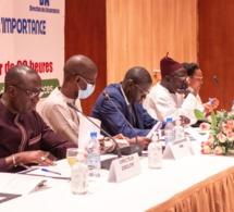 A gauche Makhtar Faye, Directeur exécutif de l'Association des assureurs conseils du Sénégal.